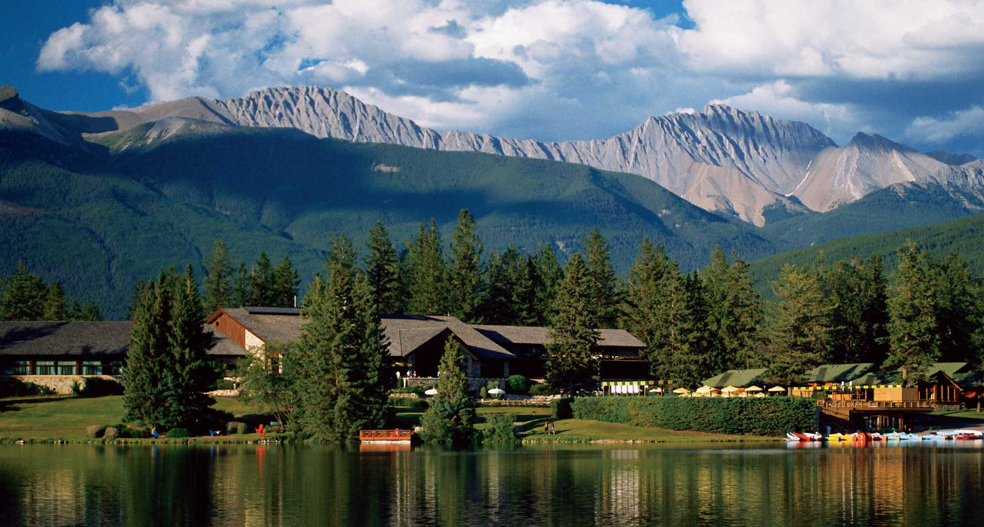 The Fairmont Jasper Park Lodge - luxury hotel in Jasper, Canada