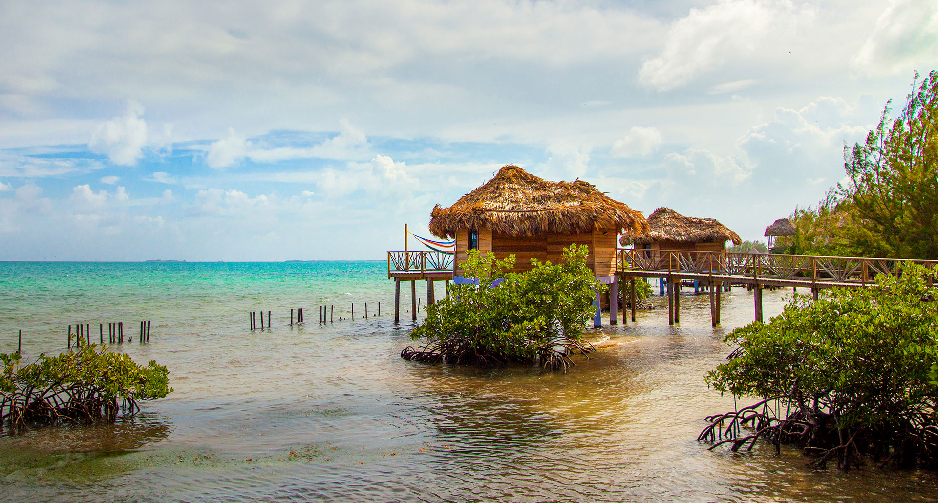 Thatch Caye Resort - boutique hotel in Coco Plum Range