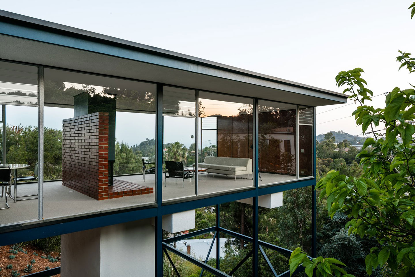 Modern Architecture Los Angeles 16 homes by iconic modernist architects — the agenda by