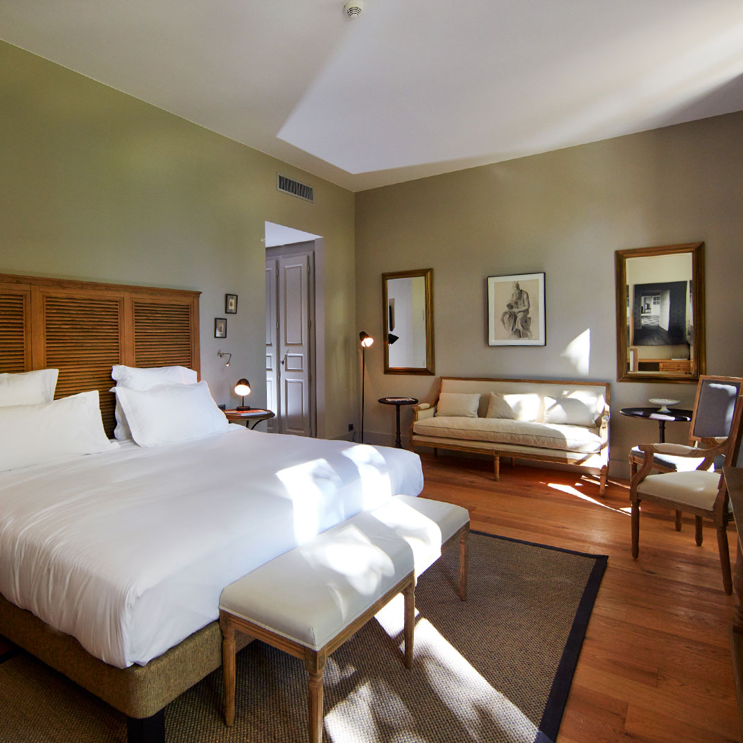 Domaine de fontenille lauris provence verified reviews for Tablet accommodation