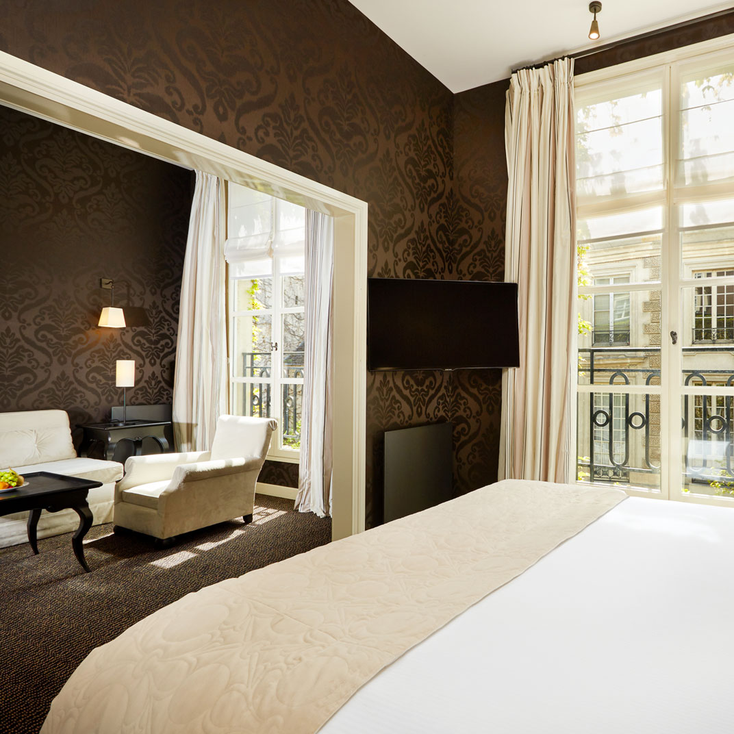 Le pavillon de la reine spa paris france 123 hotel for Tablet hotels