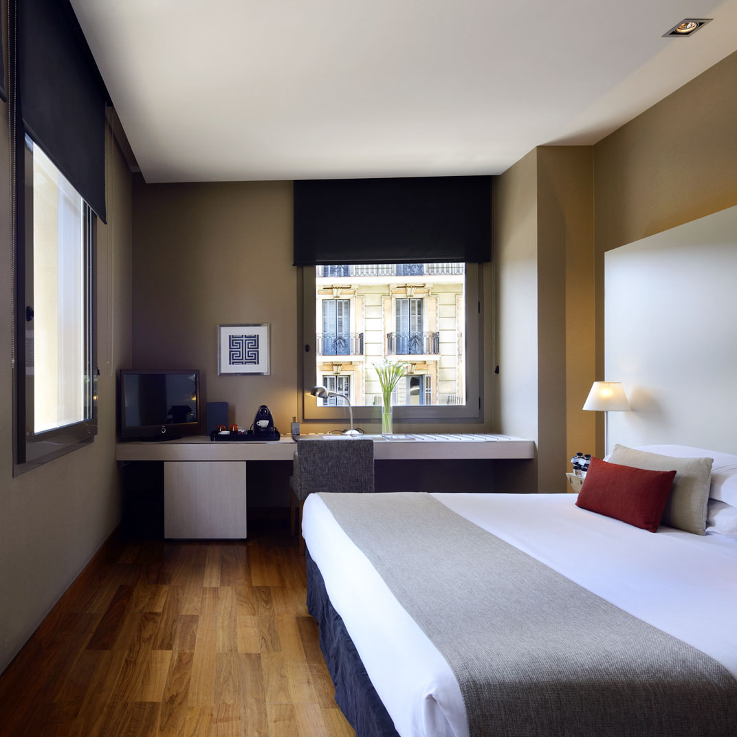 Grand hotel central barcelona barcelona spain 136 hotel for Tablet hotels