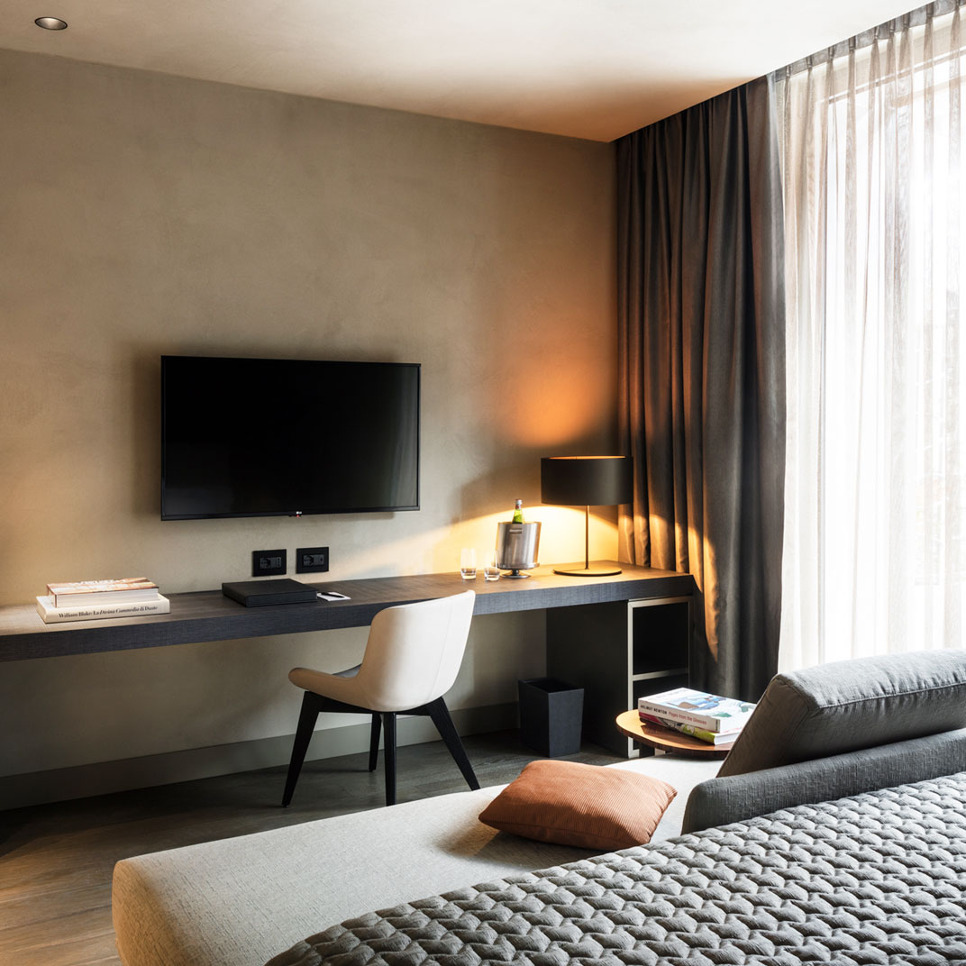 tablet hotels milan - photo#11