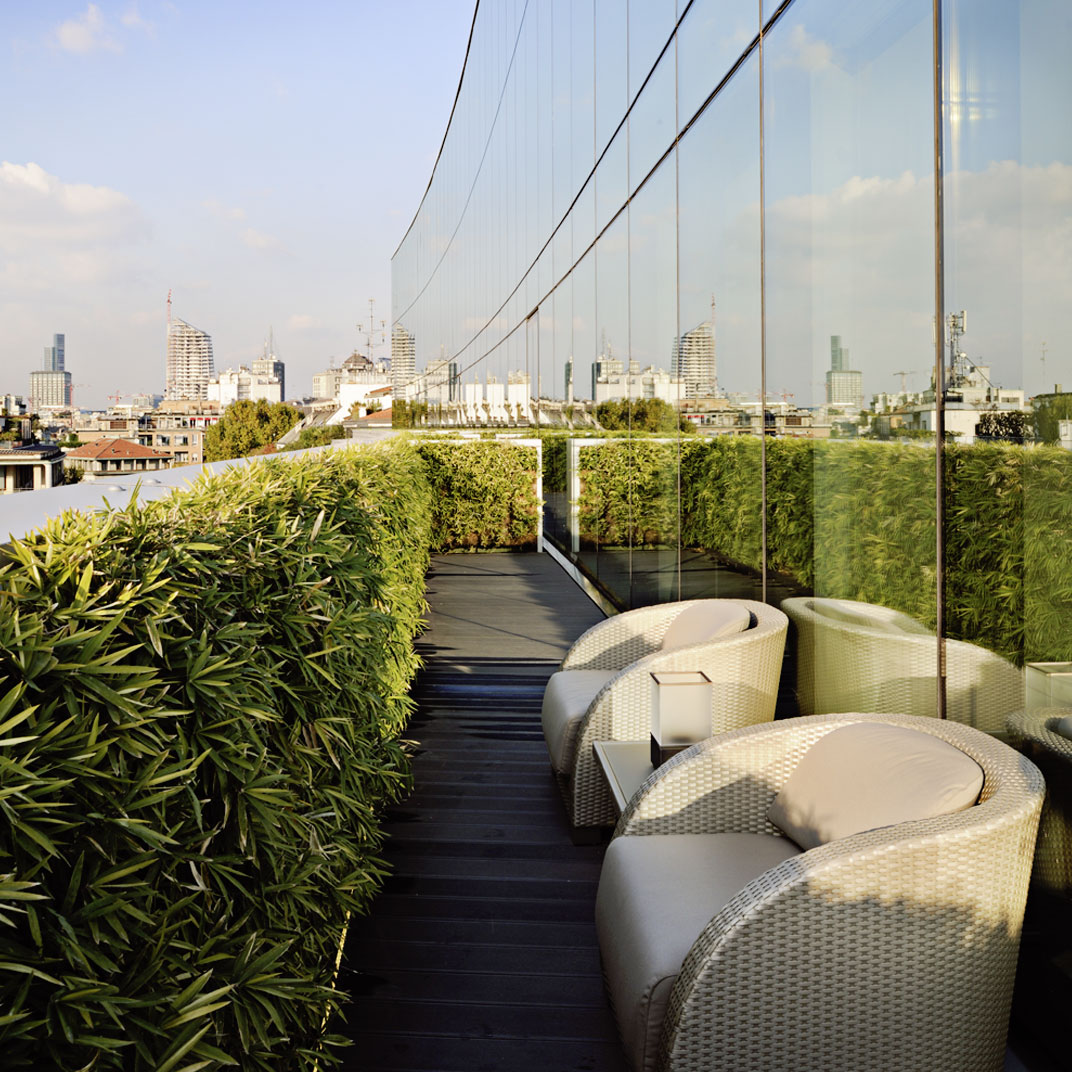 Armani hotel milano milan italy 34 hotel reviews for Tablet accommodation
