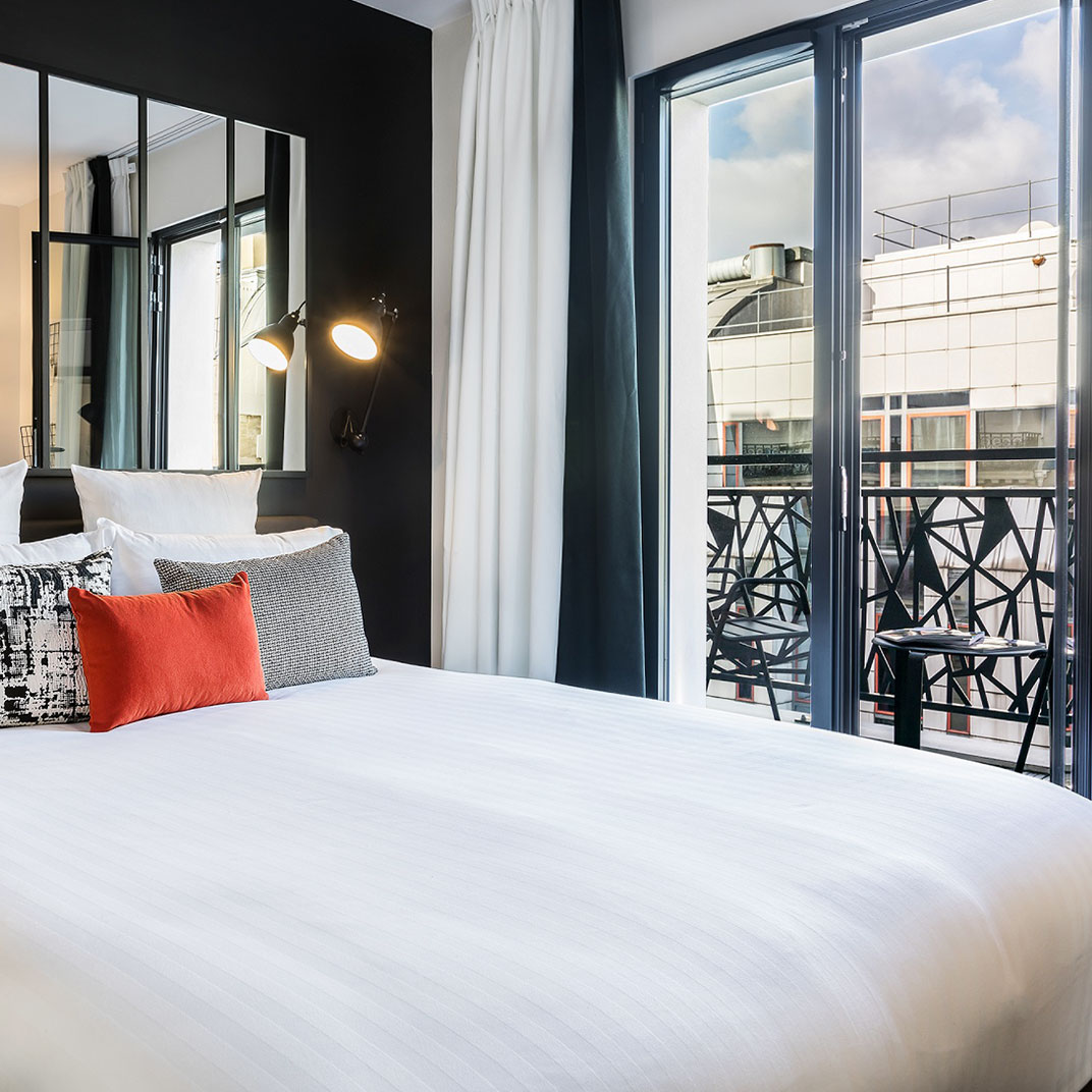 laz 39 h tel spa urbain paris france verified reviews tablet hotels. Black Bedroom Furniture Sets. Home Design Ideas