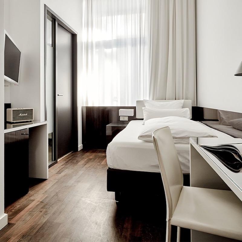 the pure hotel frankfurt hesse 60 hotel reviews. Black Bedroom Furniture Sets. Home Design Ideas